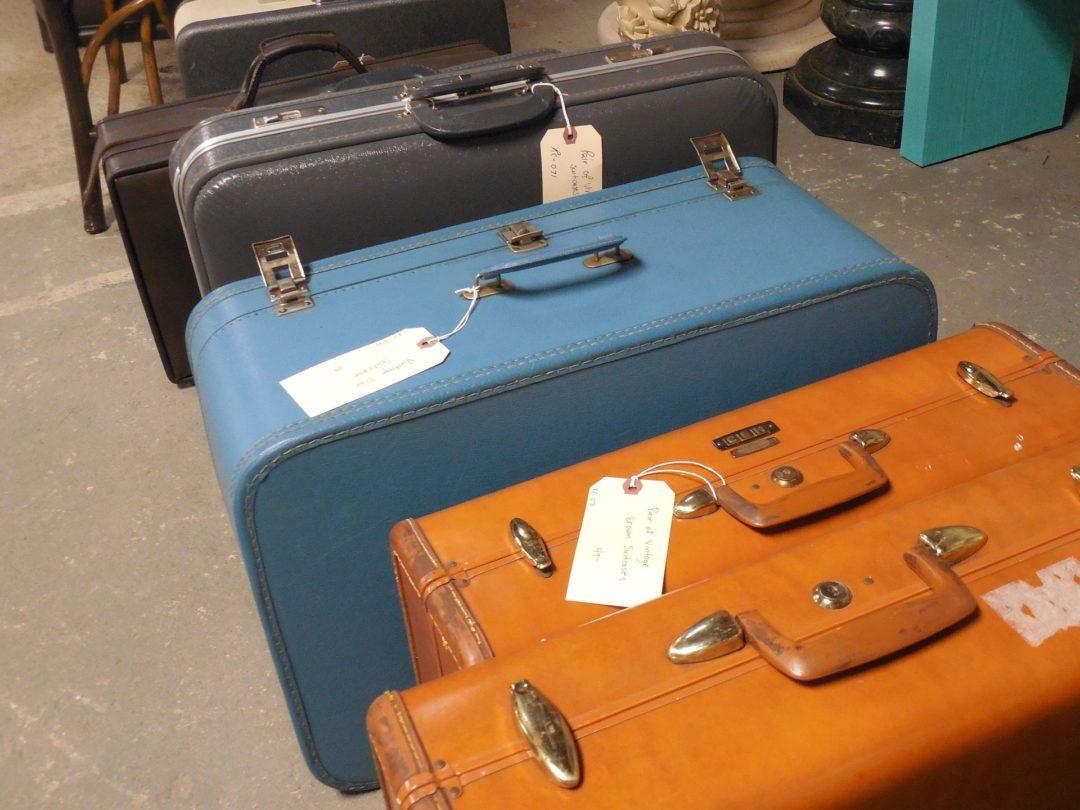 luggage-730599_1920