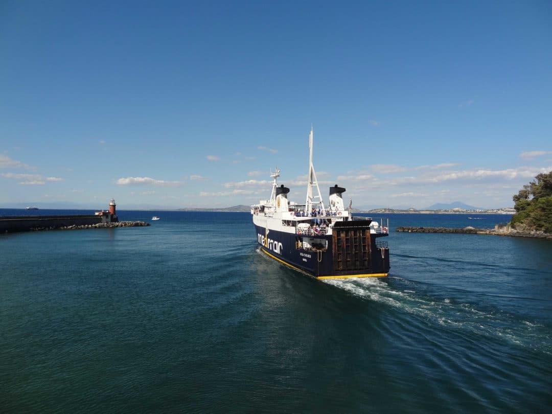 ilha traghetto porto