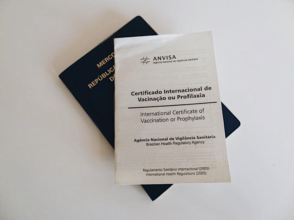 carteirinha-vacinacao-internacional-capa